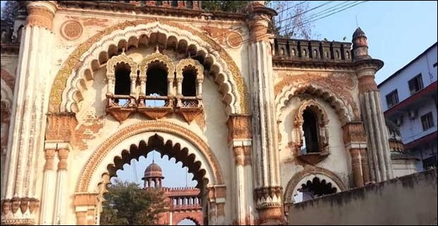 The Darbhanga Raj Era strcutures inside the fort are in ruins