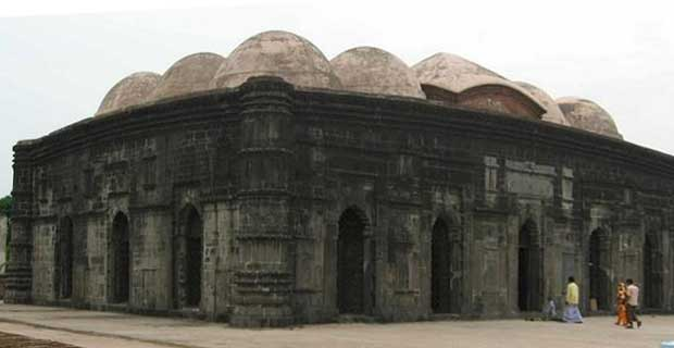 Ala-ud-din Husain Shah had constructed a fort and a Mosque in Bhowara