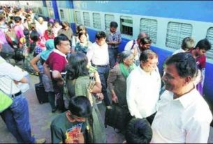 Senior Citizens now have to fill separate forms for benefits in railway reservation tariffs